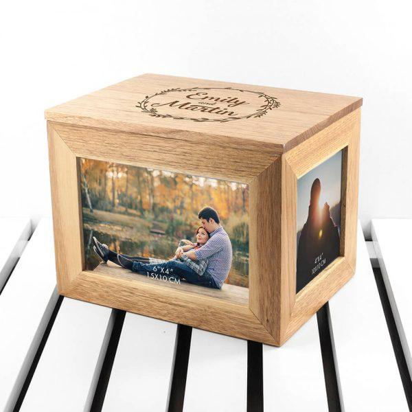 Personalised Oak Photo Keepsake Box – Couples Wreath (Medium)