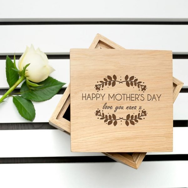 Personalised Oak Photo Cube – Mother's Day