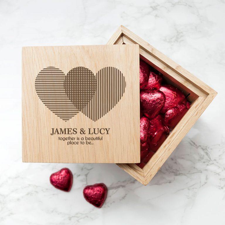 Personalised Oak Photo Cube – Hearts