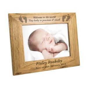 Personalised Baby Feet 7×5 Landscape Wooden Photo Frame
