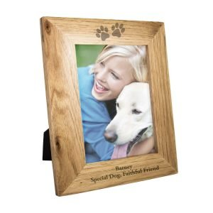 Personalised Paw Prints 7×5 Wooden Photo Frame