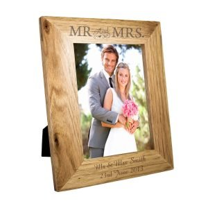 Personalised Mr & Mrs 7×5 Wooden Photo Frame