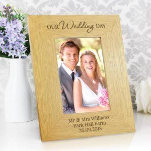 Personalised Our Wedding Day 6×4 Oak Finish Photo Frame