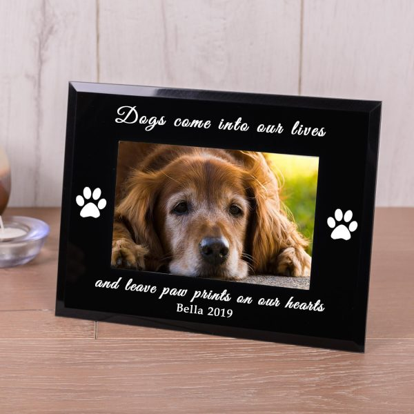 Personalised Black Glass Photo Frame (6×4) – Dogs Come into Our Lives..