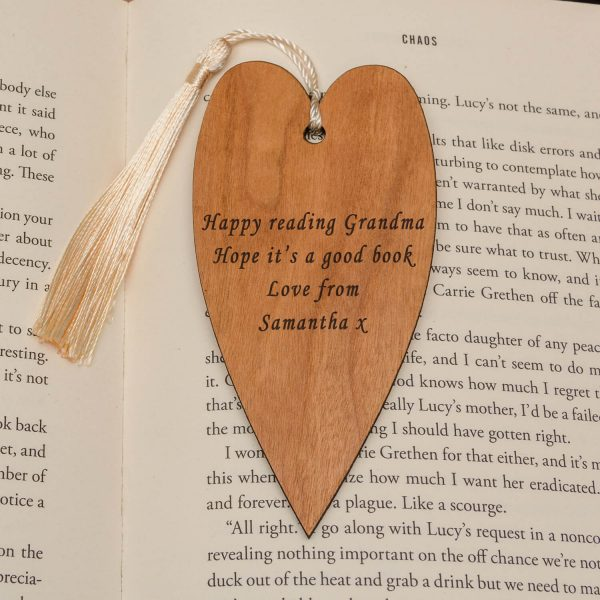 Personalised Wooden Bookmark – Your Message (Heart)