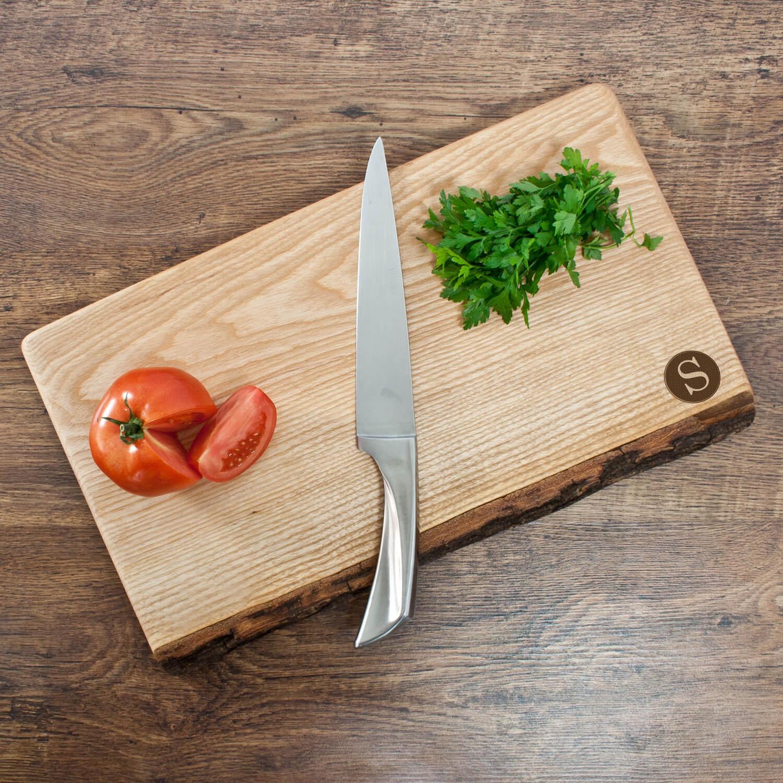 Personalised Rustic Welsh Ash Chopping Board – Initial (Circle)