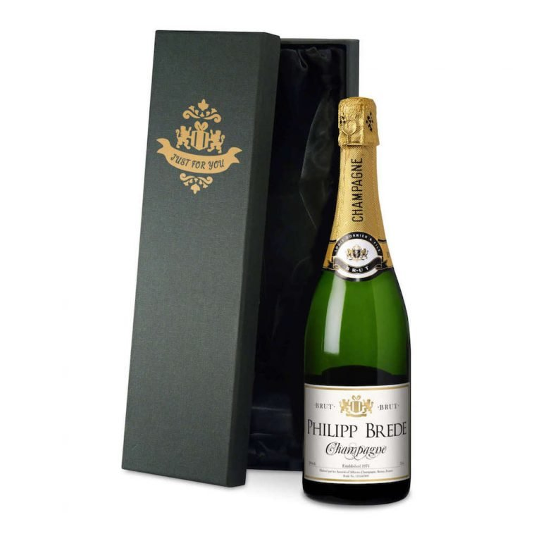 Personalised Champagne – Classic Label in a silk lined Gift Box