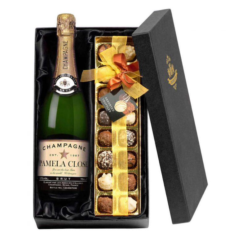 Personalised Champagne with Star Label & Chocolates Giftpack